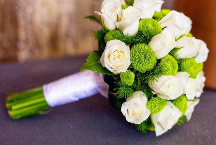 svadebnie-buketi-len-oblast-buket-nevesti-v-zolotom-tsvete-foto
